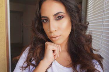 Extra Glowy Makeup