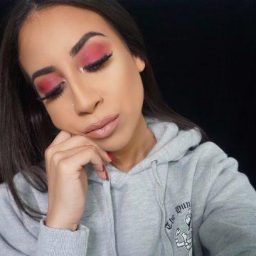 Simple Red Eyeshadow