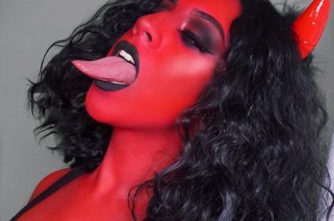 Sexy Devil Halloween Makeup