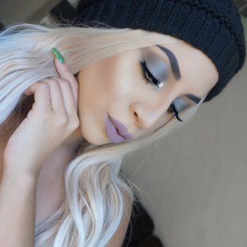 Metallic Grey Eyeshadow